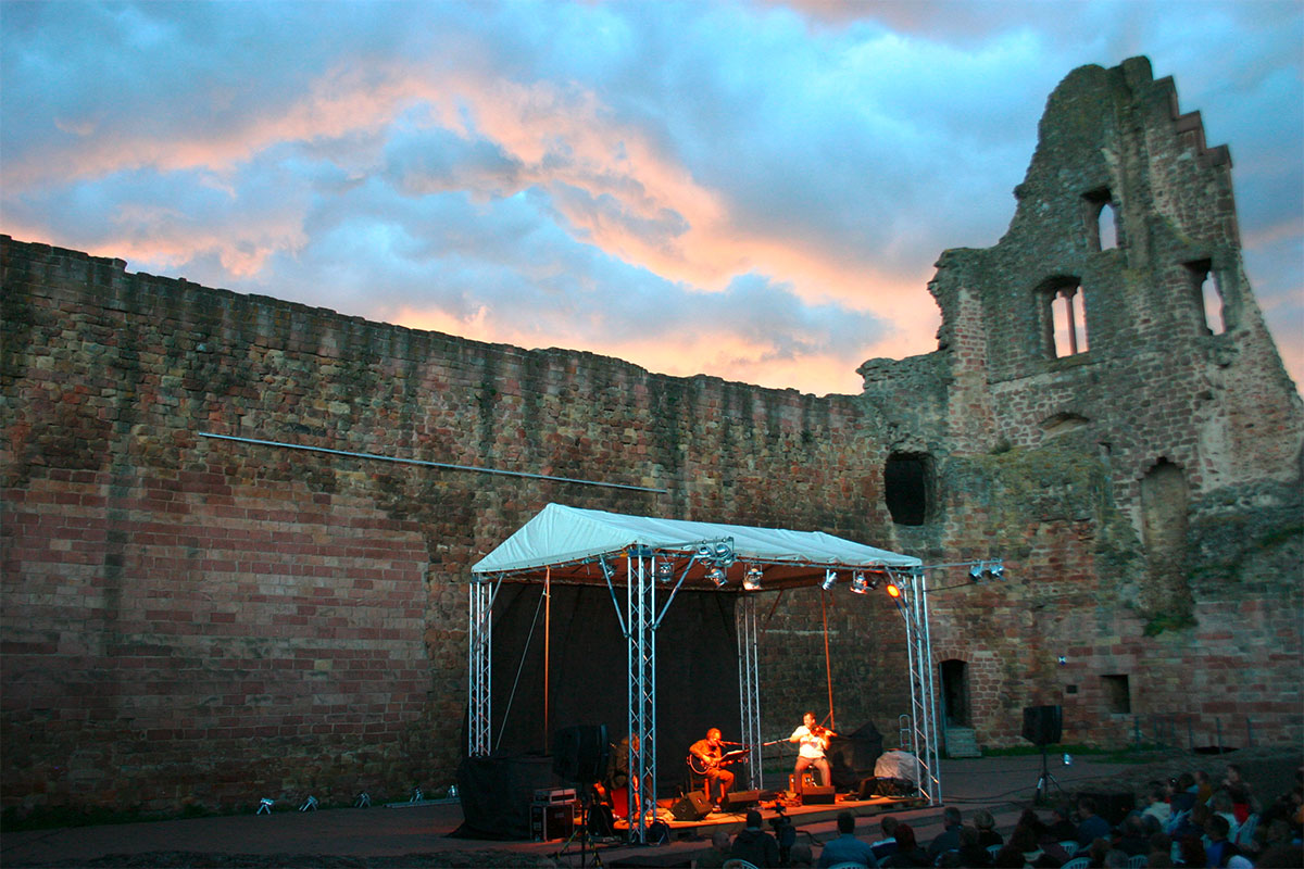 Veranstaltungen Konzerte Theater Ausstellungen Rundfahrten Weinfeste ...